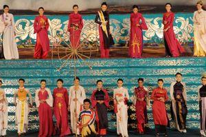 Lung linh lễ hội áo dài tại Festival Huế 2014
