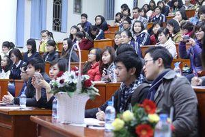 Sinh viên tập xử án tham nhũng