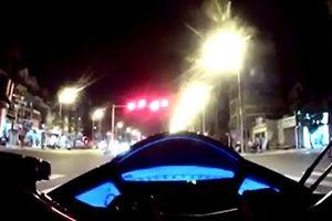 Chạy mô tô 169km/h trên đường Hà Nội, thách thức CSGT