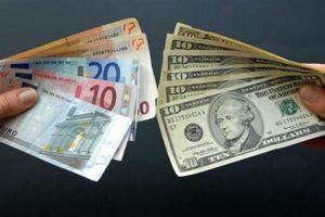 USD lao dốc, Euro tăng mạnh sau lời bình luận của quan chức ECB