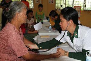 BĐBP Đồng Tháp khám bệnh, cấp thuốc miễn phí cho nhân dân