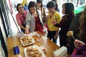 Cơn lốc gà phô mai BBQ chicken đã đến Việt Nam.