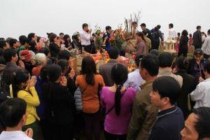 Kỳ bí lễ hội đền Nưa - am Tiên