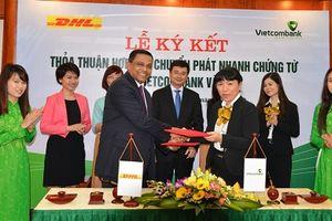 Vietcombank hợp tác cùng Công ty DHL - VNPT