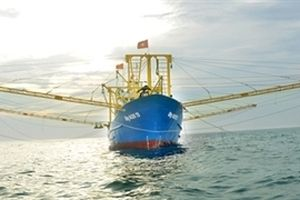 'Cánh chuồn thép' trên biển cả