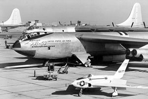 Top máy bay quân sự thống trị bầu trời suốt 60 năm