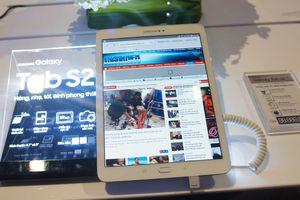 Samsung công bố Galaxy Tab S2, đón đầu iPad Air mới của Apple