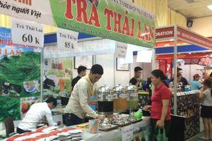 Vì sao hội chợ hàng Thái luôn cố lấy lòng người Việt?