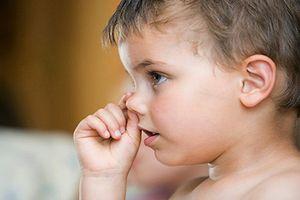 Cha mẹ làm gì để sửa những thói quen xấu của trẻ?