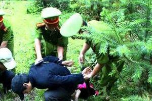 Trung úy công an bị trùm ma túy bắn 2 viên đạn AK