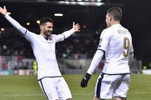 3-5-2 của Conte không còn phù hợp với Italia