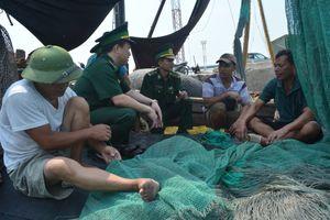 Tuyên truyền về chủ quyền biển, đảo cho 800 học sinh
