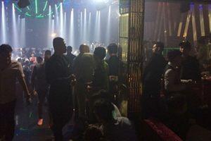 Đột kích vũ trường của dân chơi ở trung tâm Sài Gòn