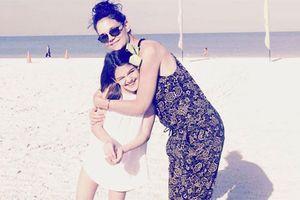 Thiếu Tom Cruise, Suri vẫn sống hạnh phúc bên mẹ Katie Holmes