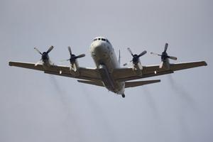 Máy bay quân sự của Mỹ, Trung Quốc bay gần nhau trên Biển Đông