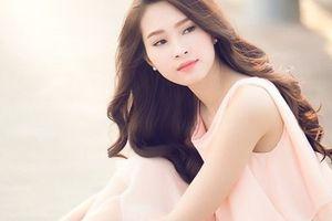 Nam Em chia sẻ việc Hoa hậu Thu Thảo nói tiếng Anh dở