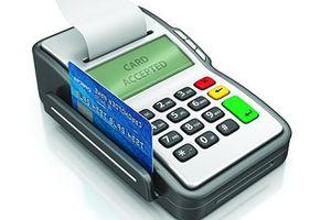Dùng thẻ ghi nợ có thể giúp bạn giàu hơn