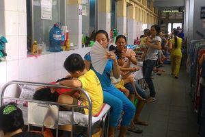 Bệnh viện tự kê thêm nhiều giường