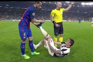 Những hình ảnh đầy xúc động trong bóng đá