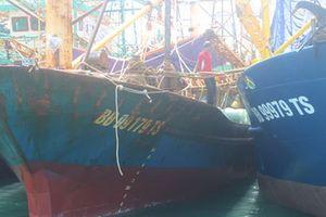Lỗ nặng với tàu vỏ thép