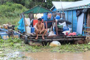 Lay lắt như người Việt trên Biển Hồ