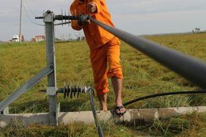 Khẩn trương khôi phục điện lưới Miền Trung sau 'siêu bão'
