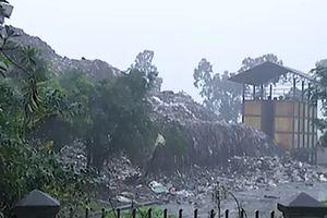 'Soi' bãi rác khổng lồ làm khổ dân Hà Nội