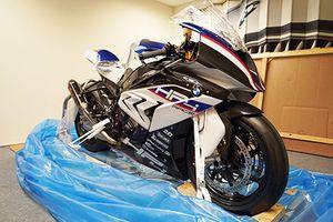 'Đập thùng' siêu môtô BMW HP4 Race giá hơn 2 tỷ đồng