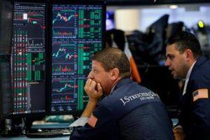Sắc đỏ bao trùm thị trường chứng khoán Âu-Mỹ