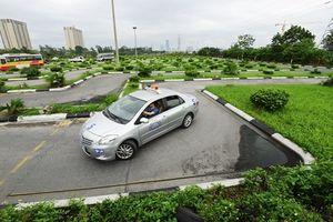 'Tiền mất tật mang' vì đăng ký học lái xe ở văn phòng 'cò' môi giới