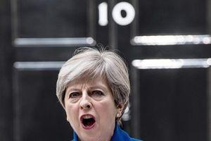 Nga-Anh 'sôi sục' sau công kích của Thủ tướng Theresa May