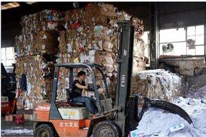 Sau lễ độc thân Trung Quốc là cả biển... rác thải