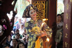 Thực hành các nghi lễ thờ Mẫu: Tránh biến tướng