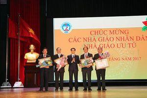 Chào mừng Ngày Nhà giáo Việt Nam 20/11: Để đất nước tự hào với học vị tiến sĩ