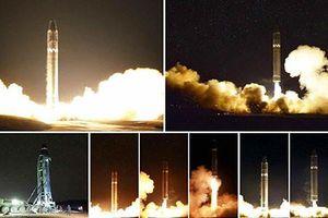 Triều Tiên lừa Mỹ tung ảnh giả phóng thử tên lửa Hwasong-15?