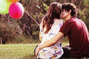 Nắm giữ bí quyết này, bạn sẽ khiến chàng đê mê trong nụ hôn