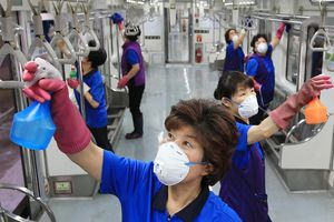 Hàn Quốc giảm thời gian làm việc 68 giờ/tuần từng bị coi 'vô nhân đạo'