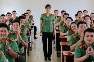 'Chất lính' trong một nữ giảng viên CAND