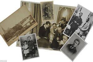 Bộ ảnh hiếm về thiên tài Einstein được rao bán gần 8 tỷ