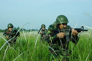 Bất ngờ trang bị lính trinh sát đặc nhiệm Quân khu 7