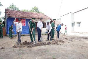 Các đồn Biên phòng xây dựng và bàn giao nhà cho hộ nghèo