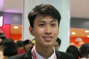 Chàng trai vàng Vật lý hiện thực giấc mơ vào đại học số 1 thế giới