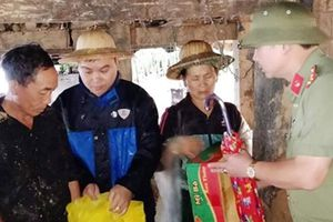 Những hình ảnh xúc động về tình quân - dân nơi tâm lũ quét ở Lai Châu