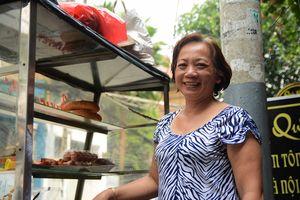 Bánh mì 5C 30 năm giữa trung tâm, bà chủ vui tính khiến nhiều người nhớ