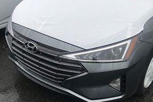 Sedan Hyundai Elantra 2019 lộ diện trước ngày ra mắt