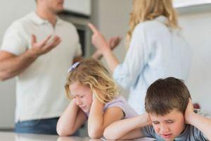 Dùng con để ép vợ ly hôn, chia tài sản