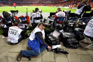 Tác nghiệp tại World Cup, đồ nghề nào được ưa chuộng nhất?