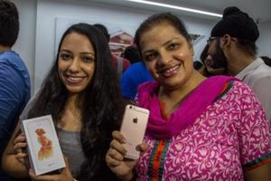 Apple 'trầy trật' kinh doanh ở Ấn Độ, bán chưa được 1 triệu iPhone