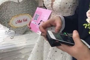 Đám cưới thời công nghệ mừng tiền bằng cách quẹt thẻ