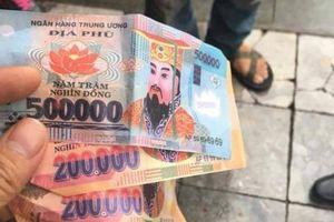 Cần lấy dấu vân tay trên tờ tiền trong vụ trả tiền âm phủ cho khách Tây!